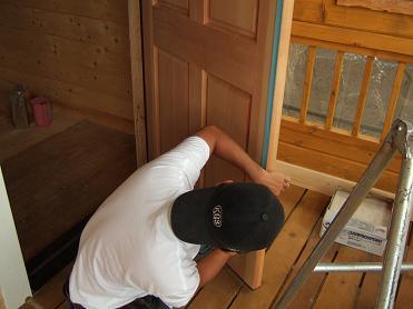 玄関ドアのマスキング