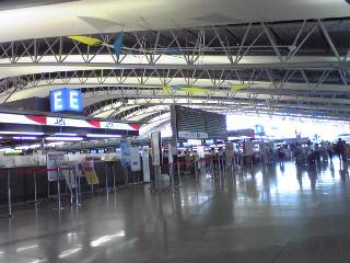 関西空港国際線カウンター