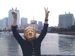 Big City東京を背に。