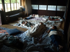 17雑魚寝こと#12441;もたち