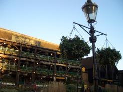walk1-Dickens Inn