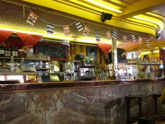 Cafe-des-2-Moulin2.jpg