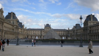 Museacute;e-du-Louvre1.jpg