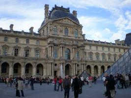 Museacute;e-du-Louvre4.jpg
