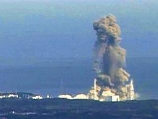 s-s-20110314-832700-1-L東電爆発