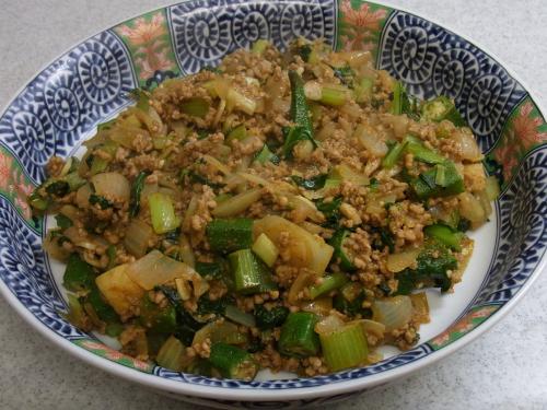 110423-020豚挽肉と野菜のカレー風味炒め(縮小)