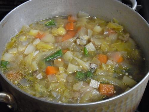 110424-030野菜のコンソメスープ煮(縮小)