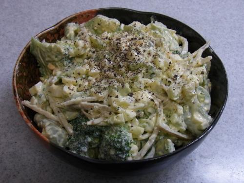 110504-020ブロッコリーと玉子のサラダ(縮小)
