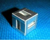 ホッチキス針の立方体