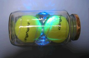 テニスボール瓶詰め1