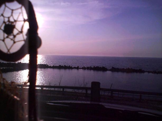 海と夕陽とドリームキャッチャー
