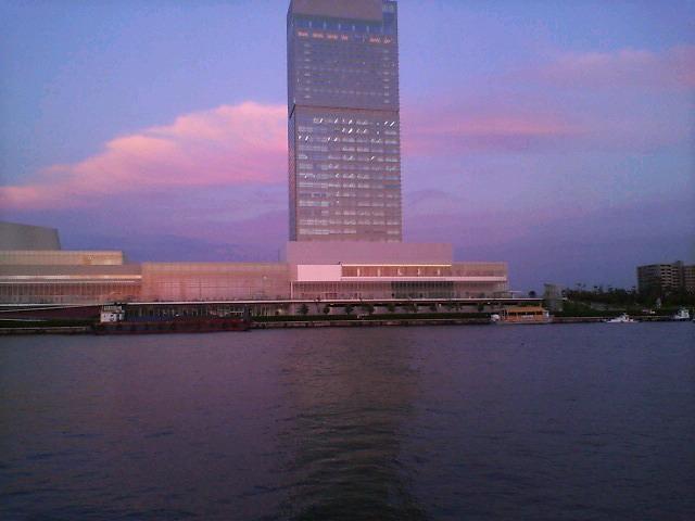 船の様な建物。②