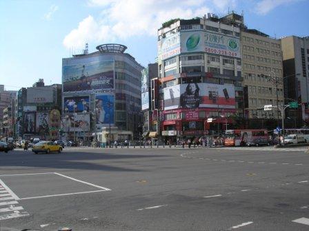 台北 市街地