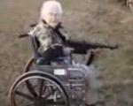 ハッスル車椅子ババアと機関銃