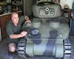 1/2.5スケールの戦車を自作した男