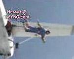 飛行機から飛行機に飛び移る