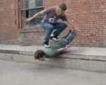 人間スケートボード