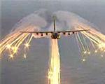 対空ミサイル防御用装置が描く「羽」