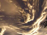 ザ・クラウド 幻想的な雲・雲・雲…
