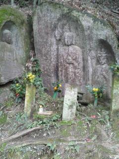 藪の中三尊像(リサイズ) H24/3/25