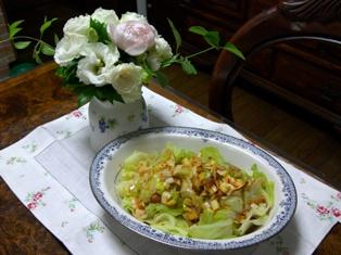 梅葱生姜醤油で蒸しキャベツ