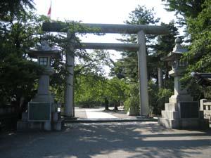 護国神社正門