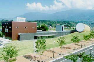 奈義町現代美術館02
