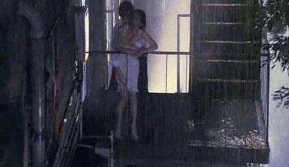 長谷川京子 映画「愛の流刑地」の濡れ場で立ちバックシーン