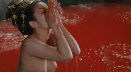 【夏木マリ】勃起乳首を披露するヌードシーン