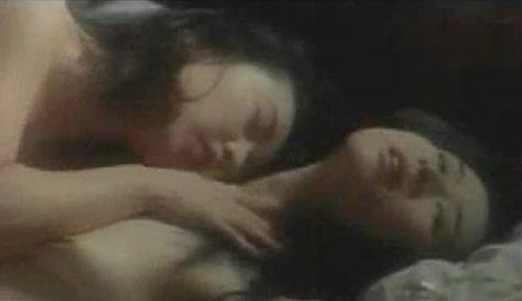 葉多朋子 Vシネマ「女豹 灼熱のスナイパー」の濡れ場で栗原みなみとレズシーン