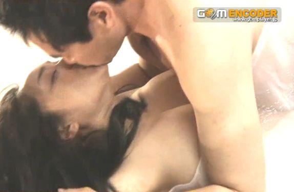 喜多嶋舞 映画『人が人を愛することのどうしようもなさ』でおっぱい吸われる濡れ場