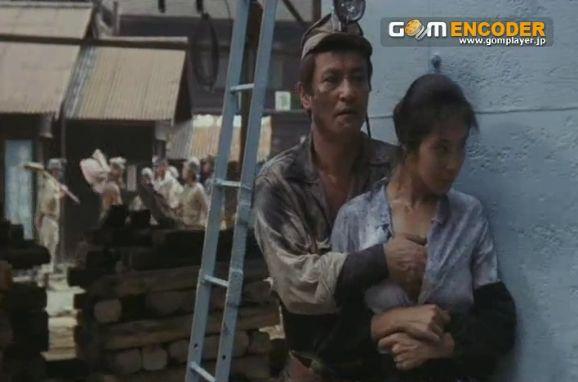 浅野温子 映画『薄化粧』で背後からおっぱい揉まれる濡れ場