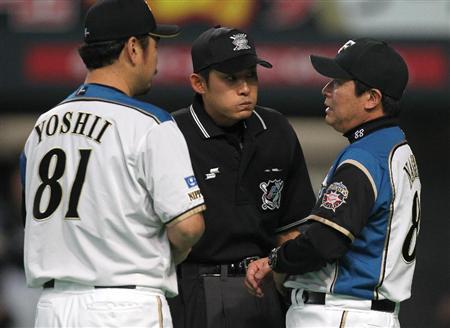 20110508斎藤佑樹投手に降板告げられる