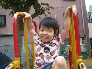 3歳の誕生日(公園・すべりだい)