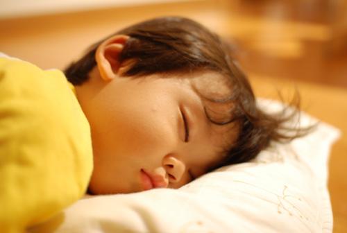 優生の寝顔