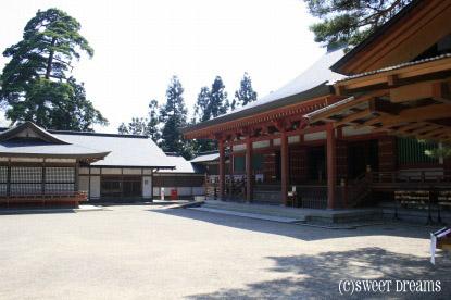 毛越寺本堂。