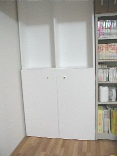 本棚のドア