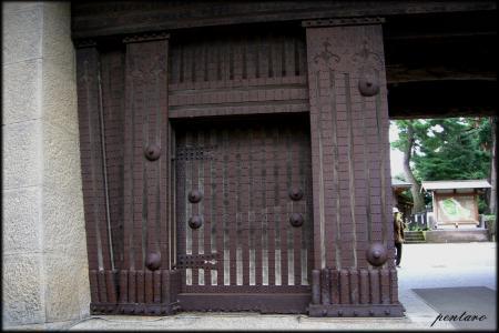 二の門門扉