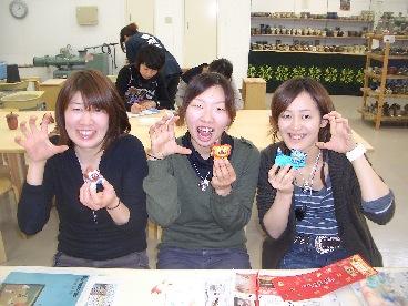 女3人シーサー