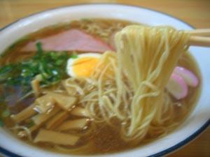 吉田食堂の中華そば麺