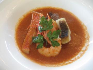 港町リヴォルノの魚介の煮込み カッチュッコ 私たちのスタイルで
