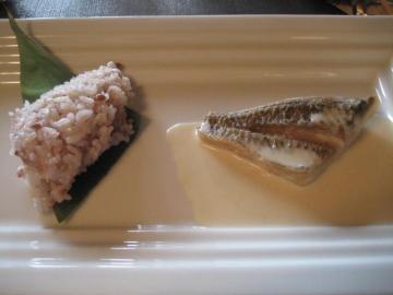 黒鯛のポアレ 白ワインのクリームソース