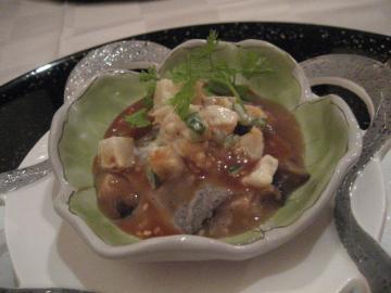 ゴマ豆腐とホタテ貝柱と海老のタルタル ゴマ味噌ソース