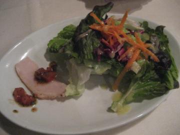 サラダとプチ前菜