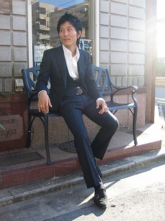 スーツ 20 代