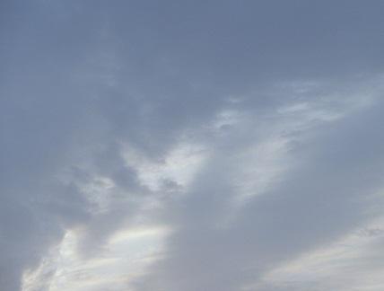 P20110508朝の空