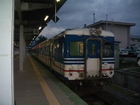 米坂線(米沢駅)