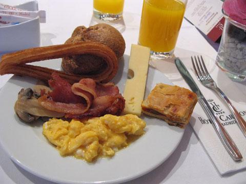 ホテル・カールトンの朝食(マドリード)