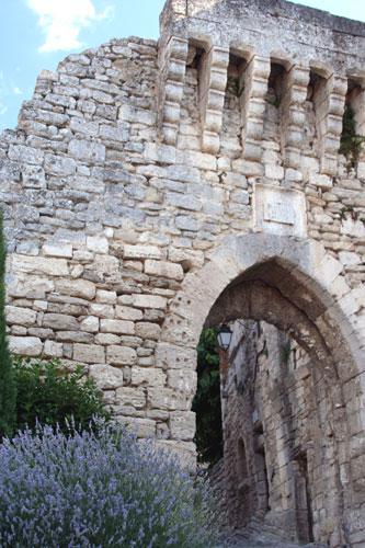 古い門(ラコスト)