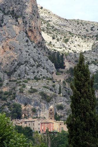 ムスティエ・サント・マリーの全景